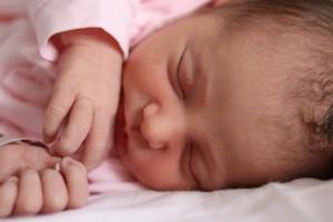 little-girl-1381471_1920